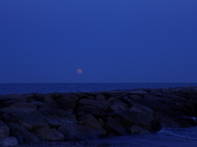 Strawberry Moon at the Breaker